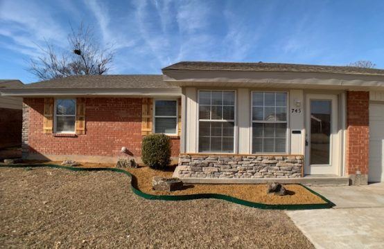 745 North Bristow Avenue Moore, OK 73160